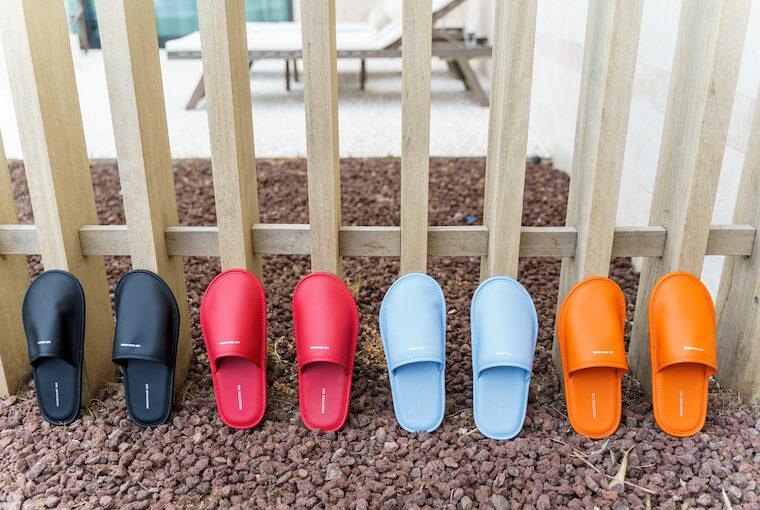 Les Benjamins Leather Slides